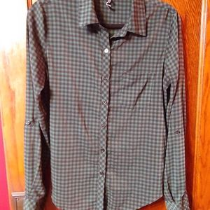 O'Neill* button front/tab sleeve/checkered print